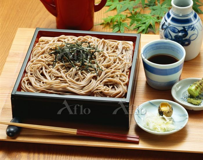 Soba is often served in seiro, which have the function of draining the water of soba