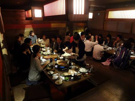 Politicians and young people at Izakaya ivote