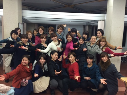 Members of Ochanomizu University musical club MMG to which Ms. Tabata (the 2nd from the left in the middle raw) and Ms. Kitayama (the 2nd from the left in the from raw) belong.