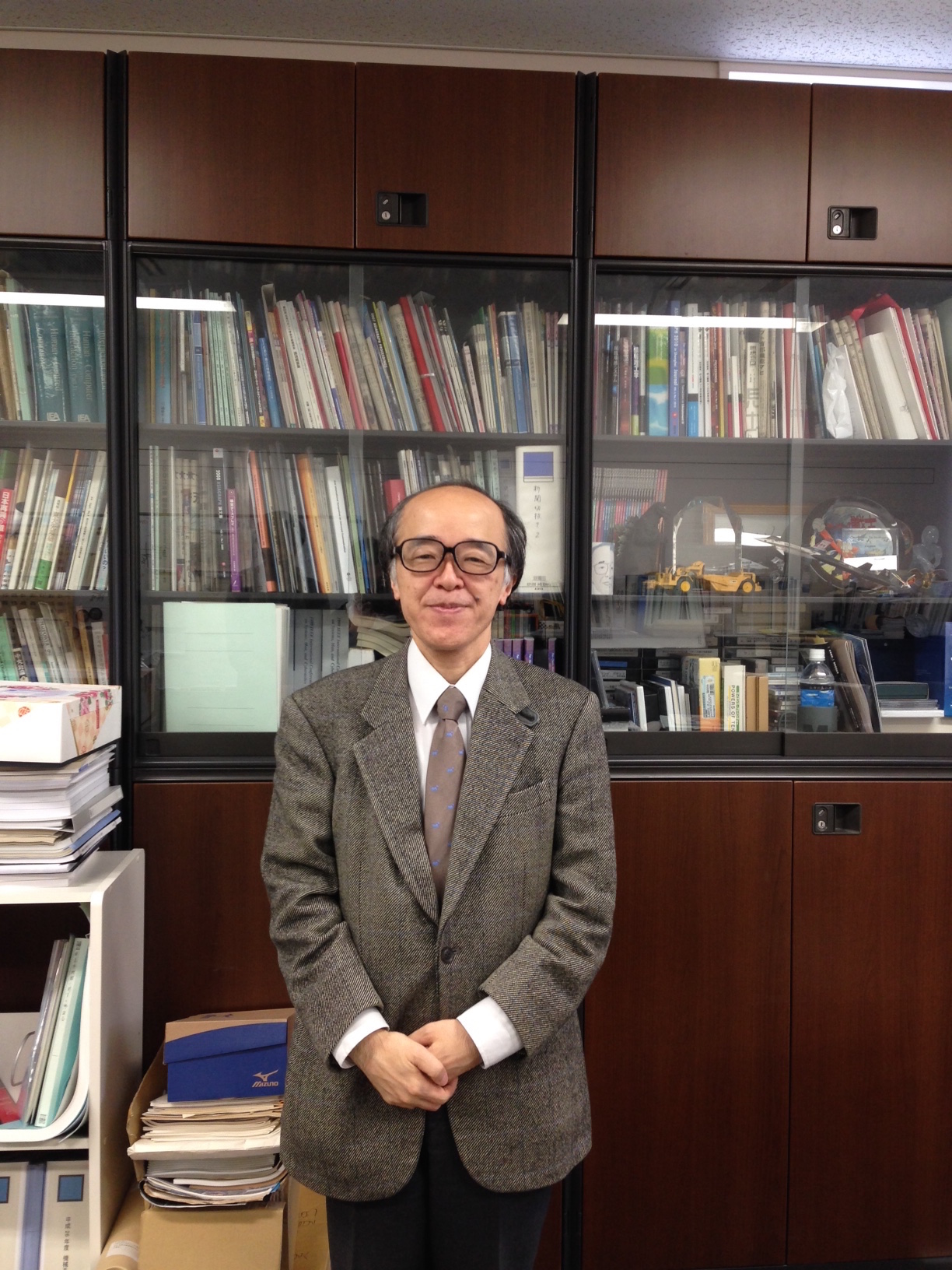 Doctor Hirose Michitaka tells the potential of virtual reality.