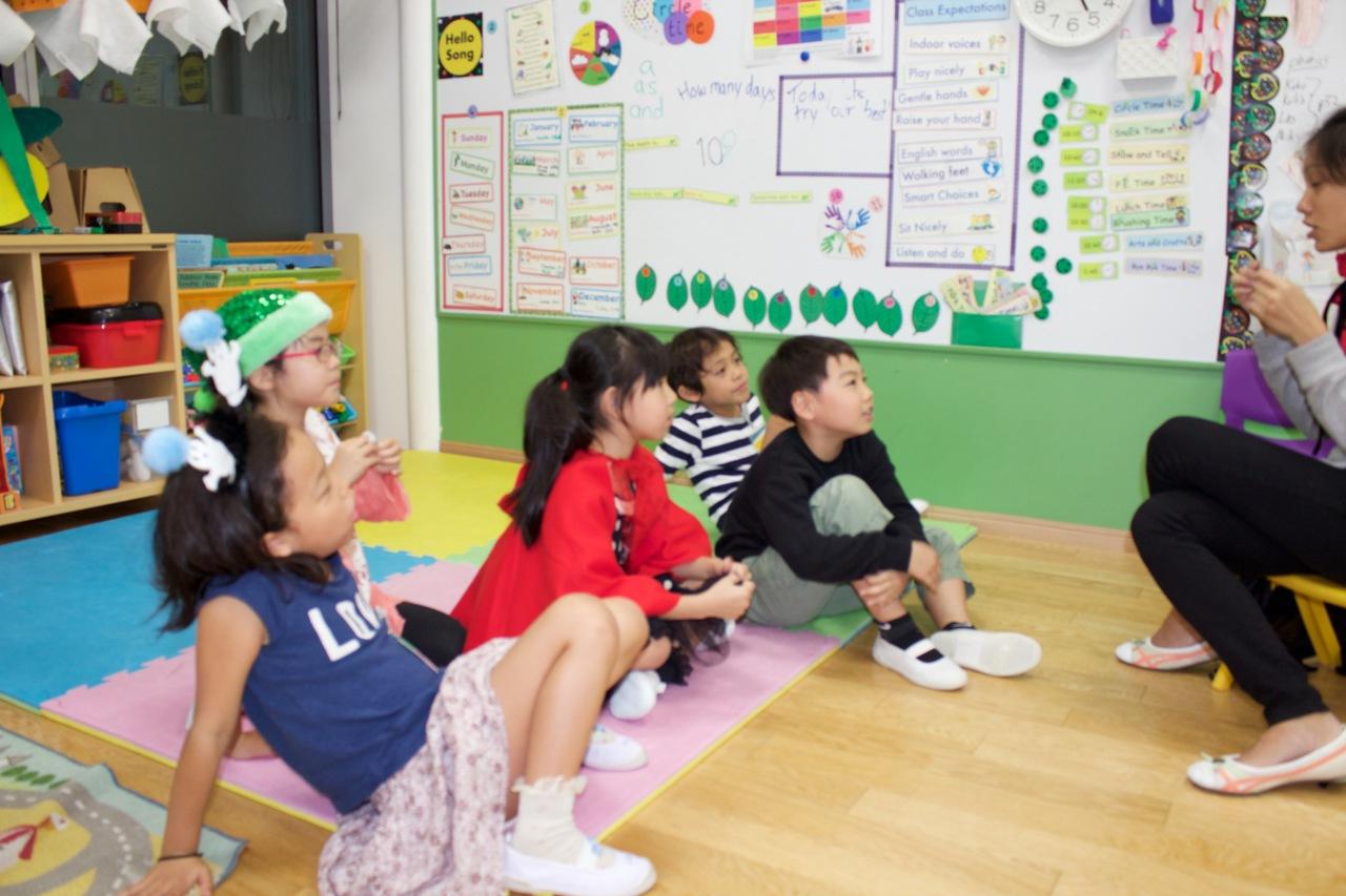 Children study English,  Wednesday, October. 28, 2015 at Tokyo International School Afterschool in Nakameguro, Tokyo.